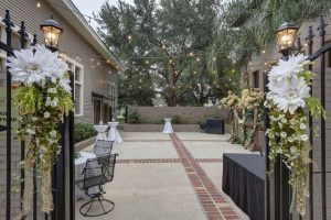 The courtyard at The Madison Reception and Banquet Centre, a wedding venue near Lafayette, Louisiana.